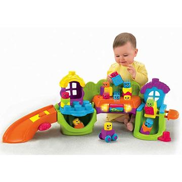 Rotaļlietas un Spēles