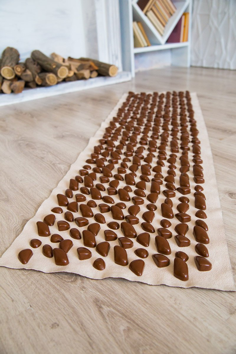 Masāžas paklājiņš ar akmeņiem Igora DECO Cluny 140х40 cm  Brown