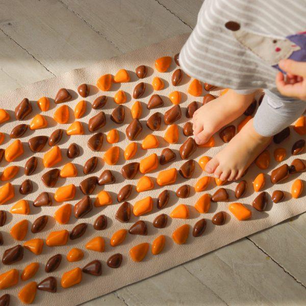 Masāžas paklājiņš ar akmeņiem Igora DECO Cluny 140х40 cm Orange brown