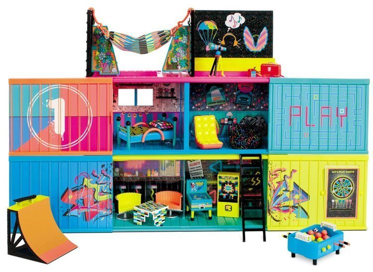 MGA LOL Surprise Clubhouse Doll House with 40+ Surprises Interaktīvā leļļu māja