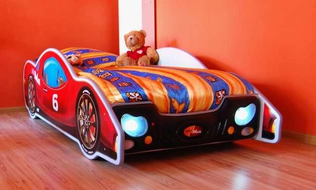 Plastiko Minimax Ergonomiska bērnu gulta - Mašīna ar matraci 180x90 cm